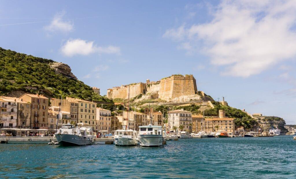 La citadelle depuis le port